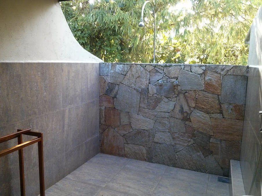 Duchas al aire libre en Talalla Retreat