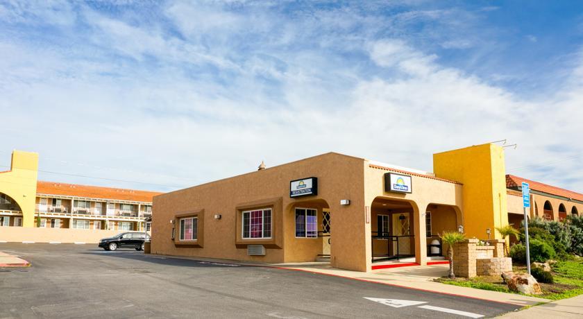 Hotel Days Inn en San Simeon