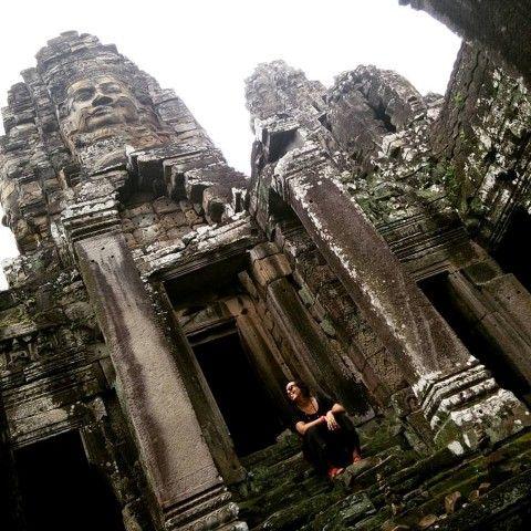 Ines en el templo de Bayon (Angkor)