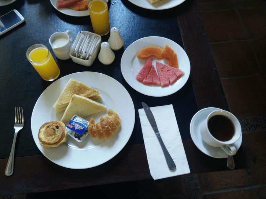 Desayuno en el Hotel Bali Chaya