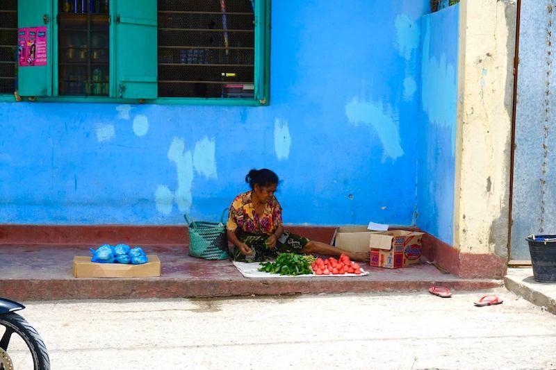 Vendedora en Dili