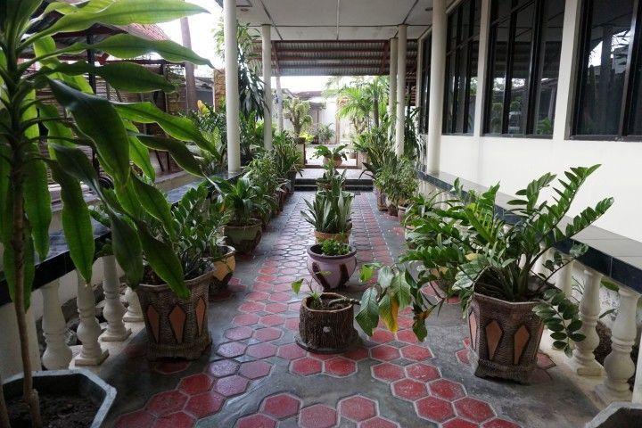 Entrada a los apartamentos en Jonlinston Apartments, en Dili