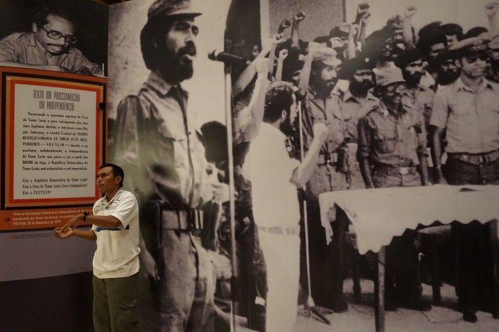 Carlos, nuestro guía durante la visita al Museo y Archivo de la Resistencia Timorense