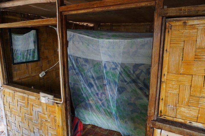 Interior de nuestro bungalow en Valu Sere, en el Parque Nacional Nino Konis
