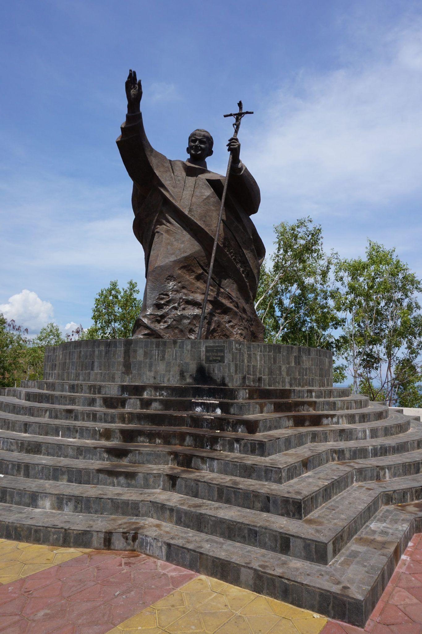 Monumento al Papa Juan Pablo II, en Dili