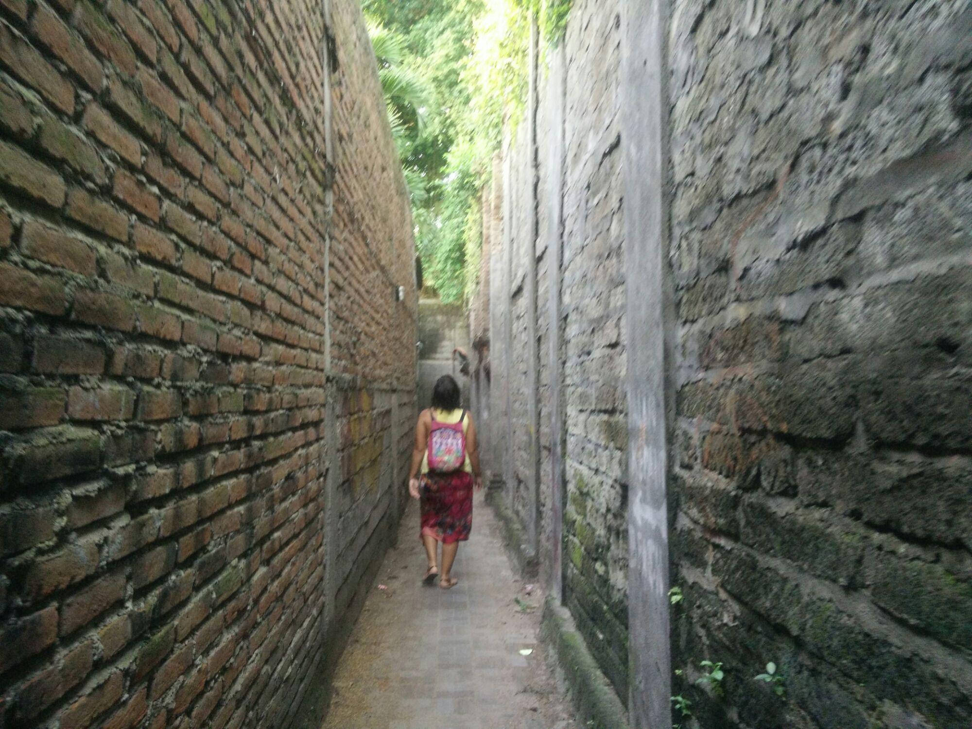 El callejón para ir desde el Bali Chaya hasta la playa de Legian