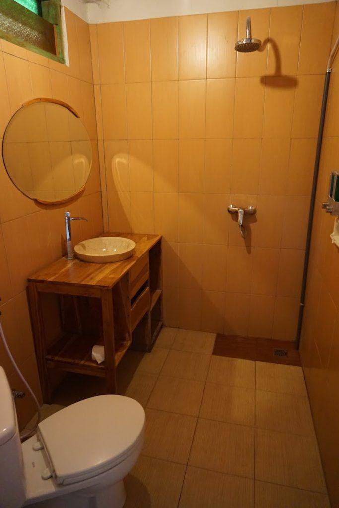 Baño con agua caliente en Green Hill Boutique Hotel