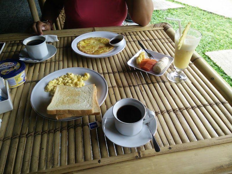 Desayuno en el Senggig Cottages Lombok