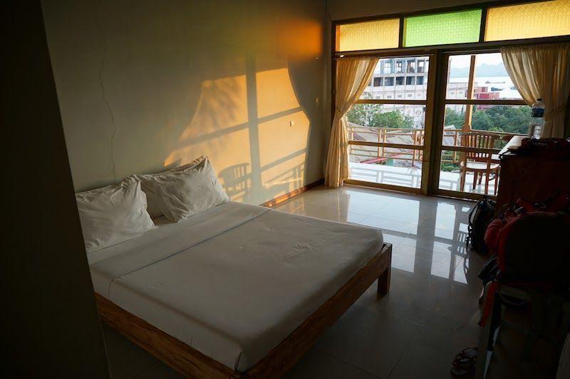 habitación vistas al mar labuanbajo en green hill boutique hotel