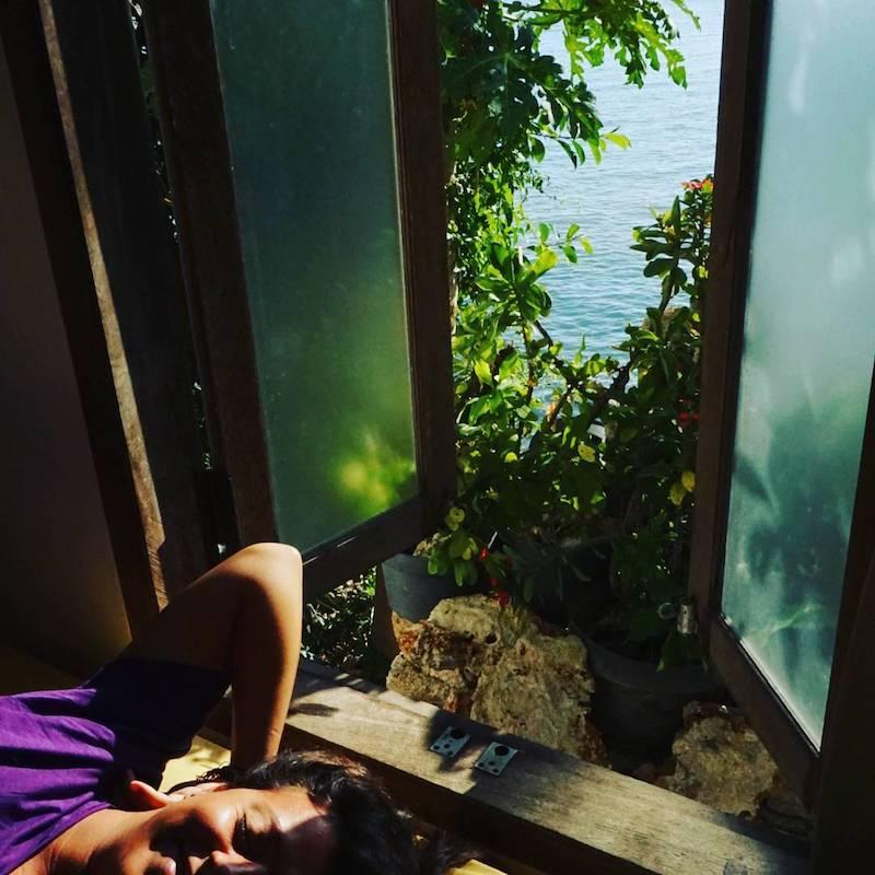 Vistas al mar desde la habitación del lavalon