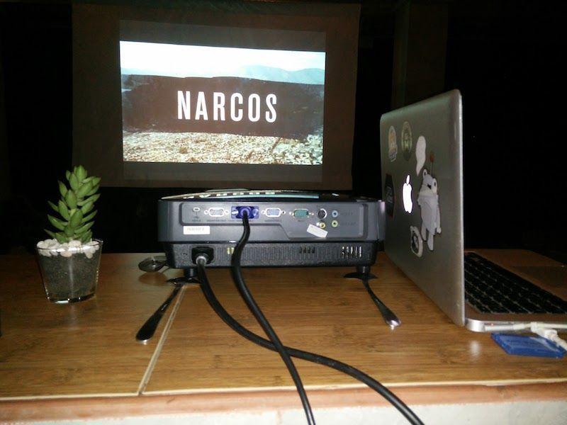 Proyector y narcos en Rumah Warsa (Ubud)