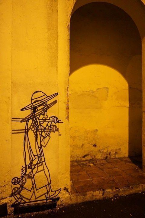 Street Art con los juegos de luces al atardecer...
