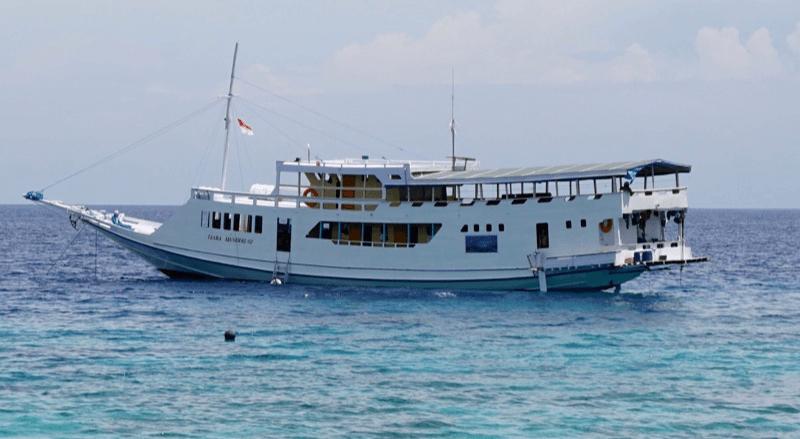 Barco Flores a Lombok