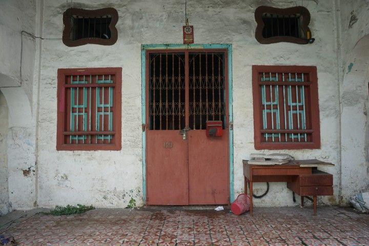 """La entrada de una """"shophouse"""" tradicional en GeorgeTown"""
