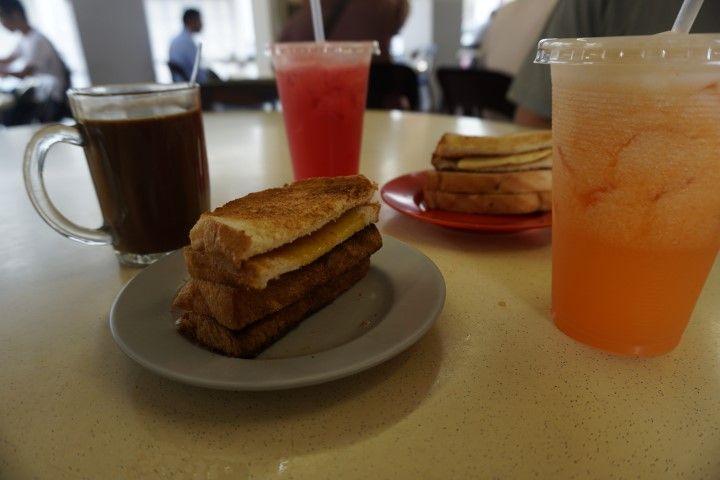 Nuestro desayuno tradicional en el Max Delights
