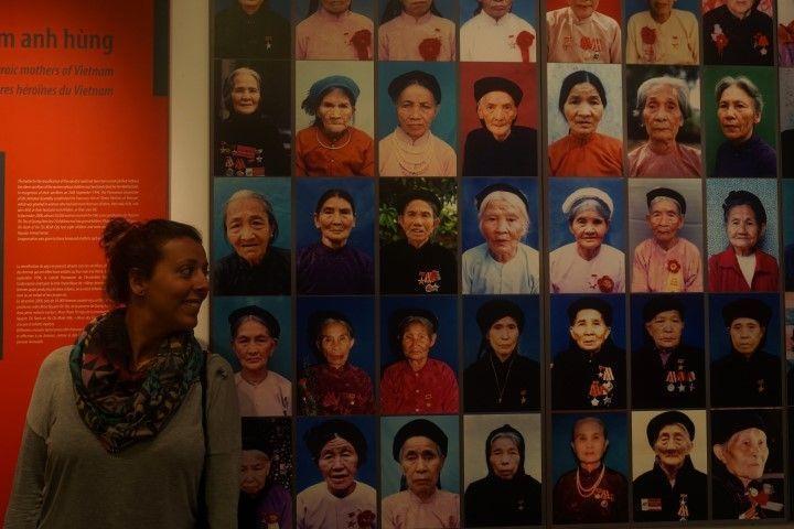 Inês en el Museo de las Mujeres Vietnamitas, en Hanoi