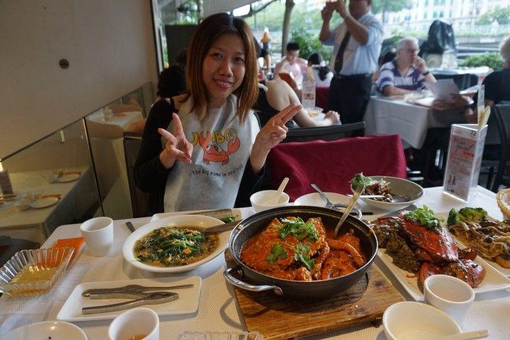 ¡Finalmente cumplimos la cita que teníamos pendiente en Singapur con nuestra amiga Yemmy que nos invitó a la mejor cena que hemos tenido en estos 5 meses de viaje!