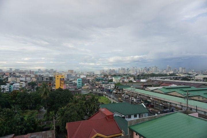 Manila desde la terraza de nuestro hotel. Reserva aquí: https://www.booking.com/hotel/ph/nichols-airport.es.html?aid=802596