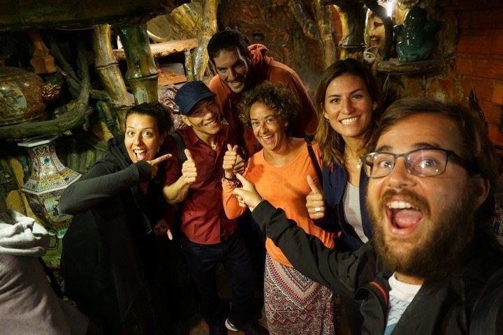Inês, Mr.Rot, Ariel (amigo que conocimos en el tour), Lorena (amiga con quién hicimos el viaje en moto), Lena y Chris. En el 100 roof bar
