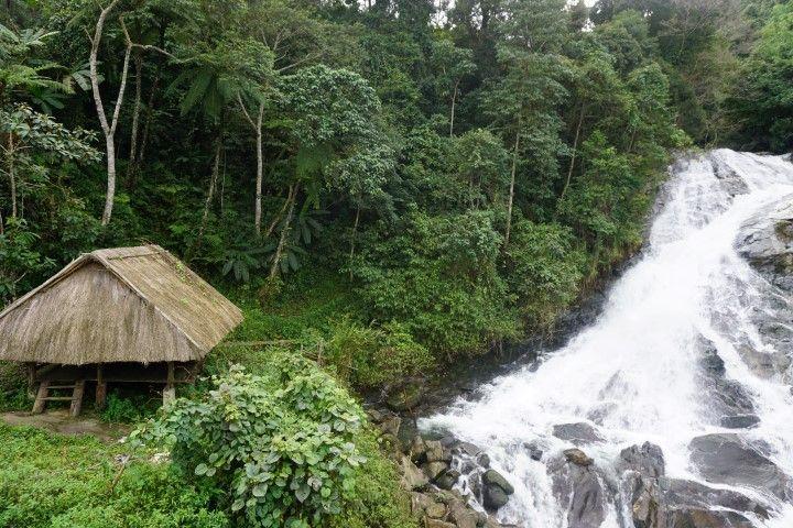 Cascada cerca del Ho Chi Minh Trail
