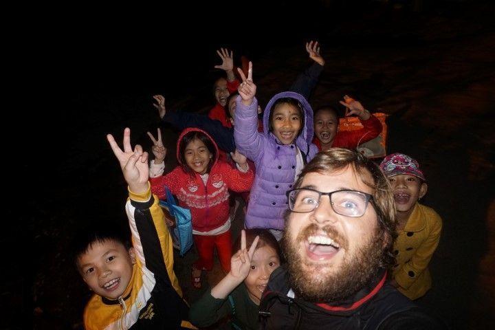 Selfie por la noche en Kahm Duc.