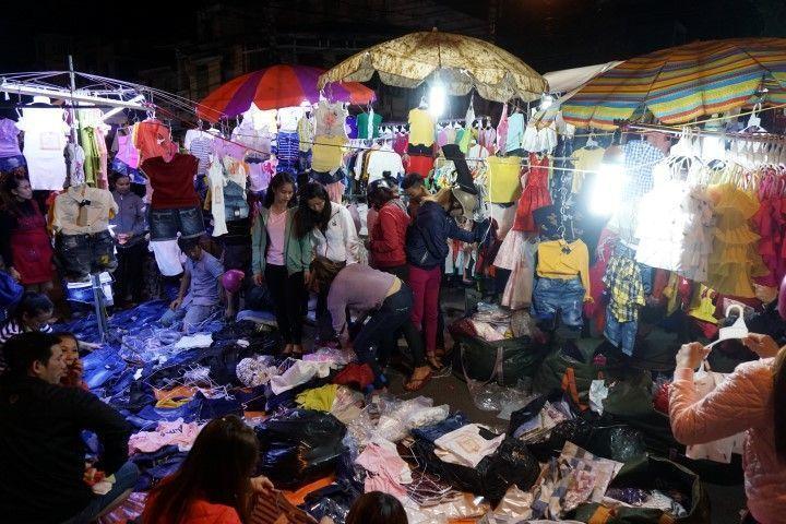 Mercado nocturno en Buon Ma Thuot: un caos organizado