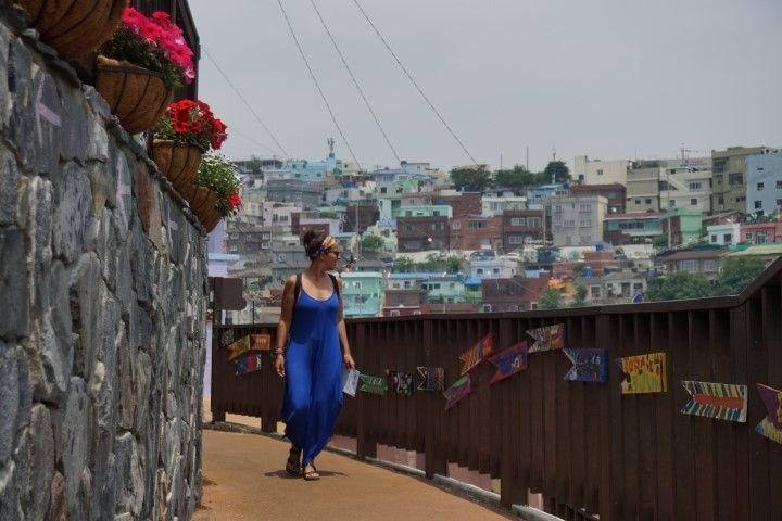 Caminando por las callejuelas estrechas y coloridas de Gamcheon