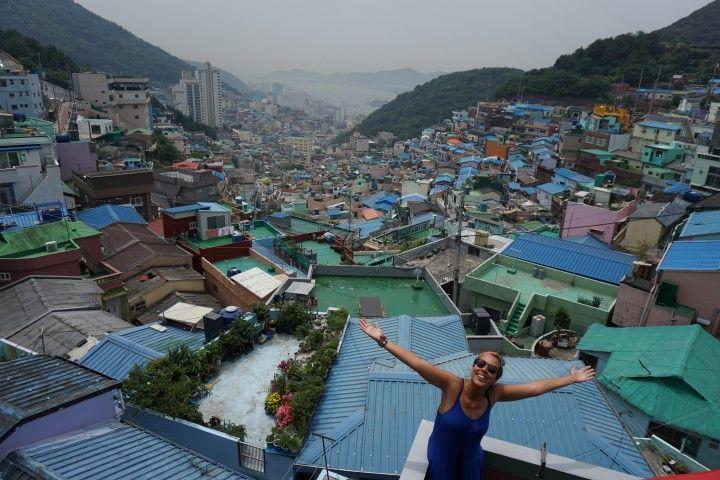 Vistas del barrio cultural donde encuentras arte callejero a cada rincón: Gamcheon