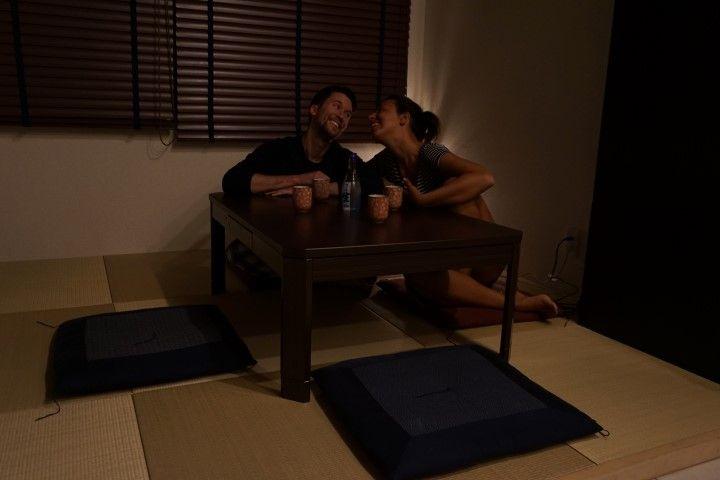 Romain e Inês, aka Darlins. Gracias a ellxs dos, el consumo de sake se ha disparado en tierras niponas.