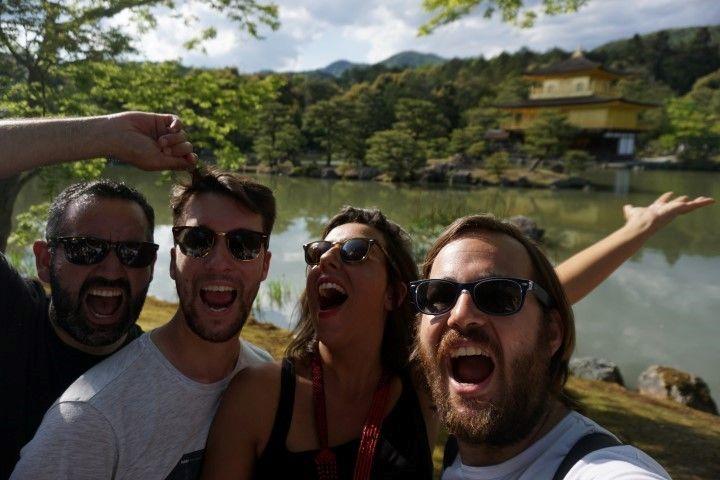 Flipando con el Kinkakuji, o Pabellón Dorado, en Kioto.