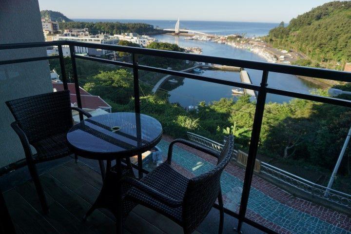 Nuestra terraza en el Hotel Yeon en Seogwipo, Isla de Jeju