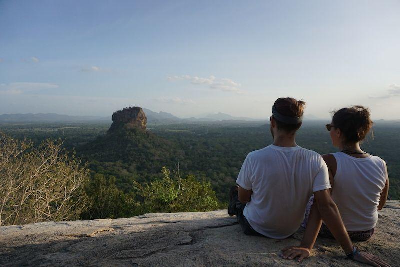 Disfrutando de las vistas de Sigiriya desde Pidurangala rock