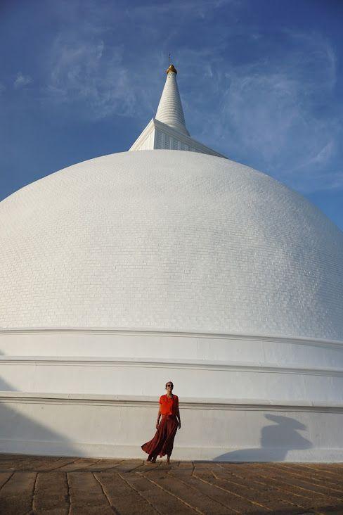 inês en estupa de Mihintale