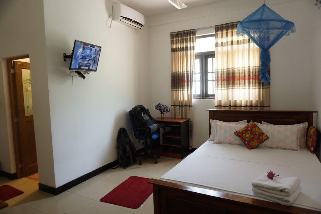 alojamiento-Mihintale-habitación