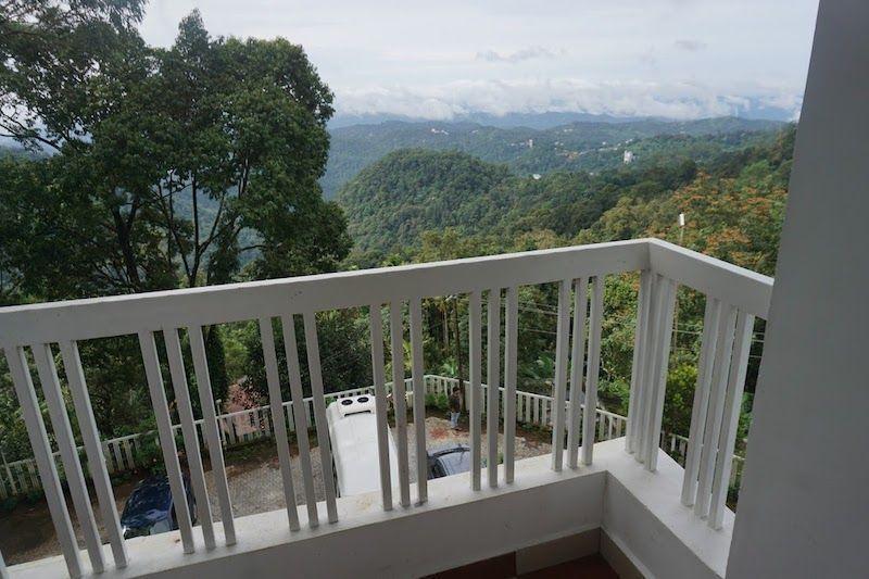 alojamiento-munnar-terraza