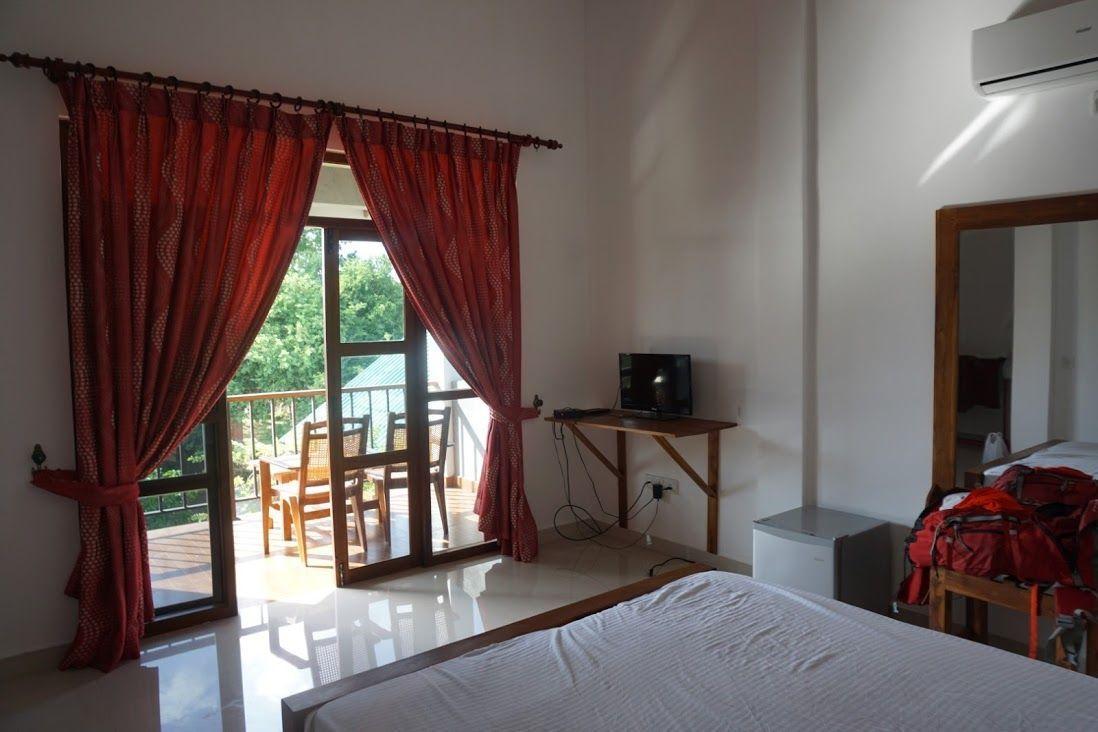 alojamiento-sinhagiri-villa-sigiriya-habitación-2
