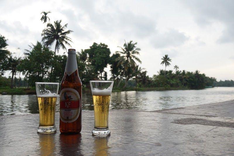 cerveza-en-el-houseboat