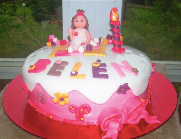 Una tarta de cumpleaños para Belén