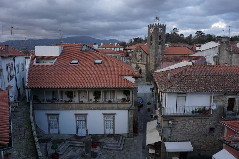 "Vistas del casco antiguo de Ponte de Lima desde lo alto de la ""Torre da cadeia Velha"""