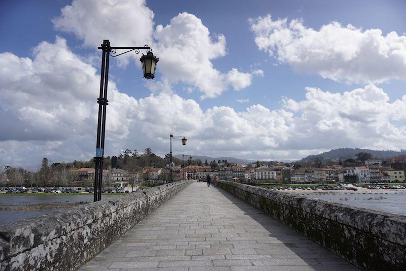 Cruzando-el-puente-ponte-de-lima