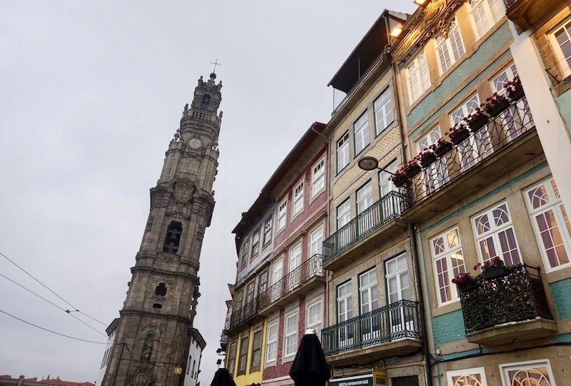 La famosa e inimitable Torre de los Clérigos, el monumento más emblemático de la ciudad