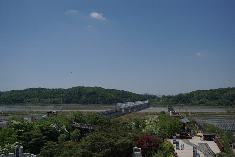 """""""Bridge of No Return"""", el Puente sin Regreso"""