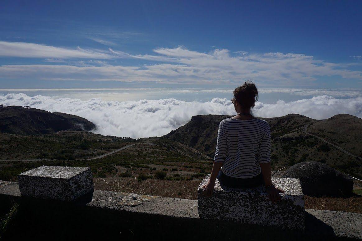 """Definición gráfica de """"estar en las nubes"""", Pico do Arieiro"""