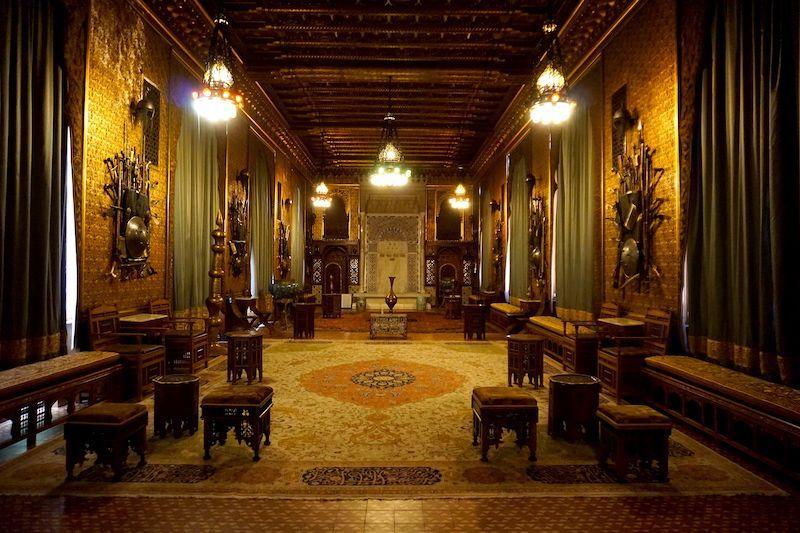Uno de los salones en el interior del Castillo de peles, inspirado en la Alhambra granadina