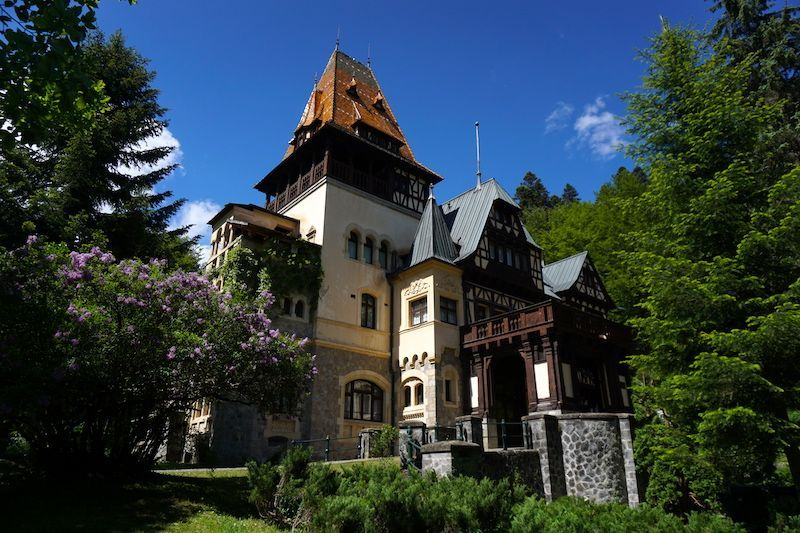 El Castillo de Pelisor, conocido como el hermano pequeño del Castillo de Peles