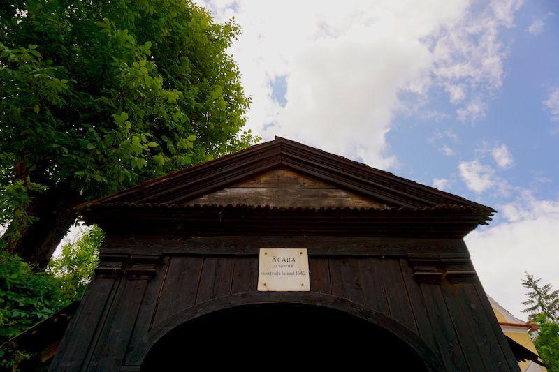La entrada a la Iglesia de la Colina, antes de empezar la subida