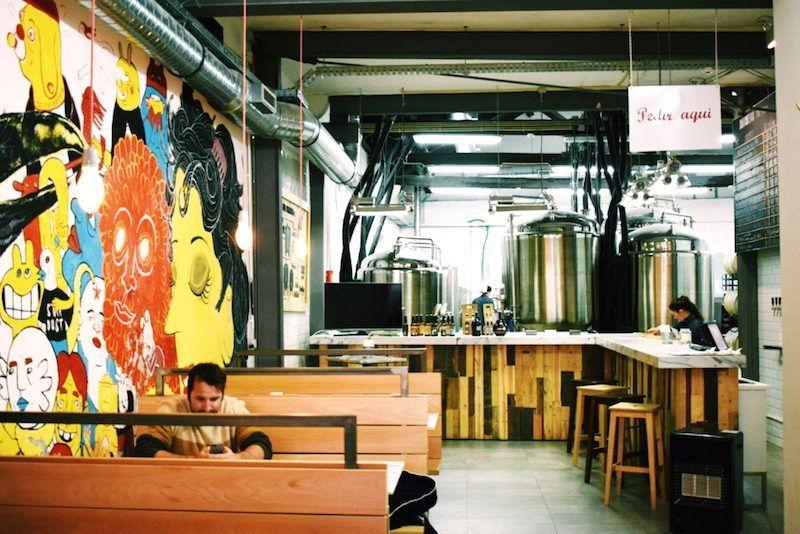 Fábrica de las cervezas artesanales Dois Corvos, en Marvila