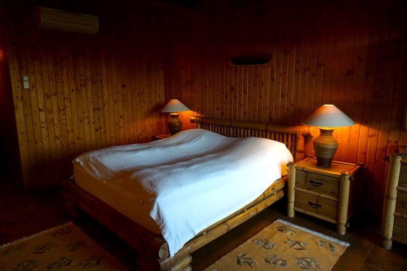 Nuestra habitación hecha de bambú o madera