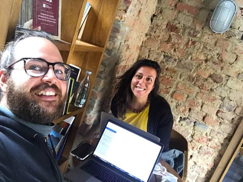 Nosotrxs trabajando en el Juan Valdés Orígenes, en Bogotá