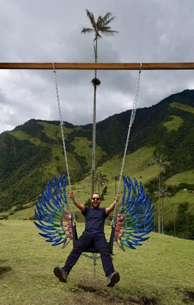 Chris en el columpio del Valle del Cocora